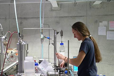 Wolkenforschung im Labor (Wolkenturm LACIS)  (Foto: TROPOS)