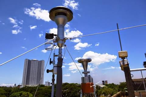 13.05.15: Einlässe auf dem Dach dem Observatoriums
