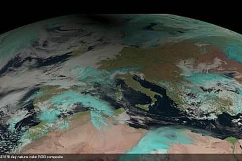 Die Sonnenfinsternis, beobachtet aus dem All von METEOSAT-SEVIRI. Quelle: TROPOS/EUMETSAT