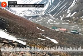 Erlend über die Lawine in Longyearbyen. Foto: Kerstin Heymach, arktis-zeichenblog.eu