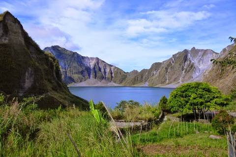 24.05.15: Nach einer Stunde ist dann der Kratersee des Pinatubo erreicht.