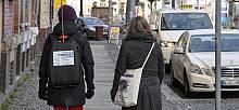Mitarbeiterinnen des TROPOS bei den Rücksackmessungen in der Lützner Straße in Leipzig. Foto: Holger Siebert, TROPOS