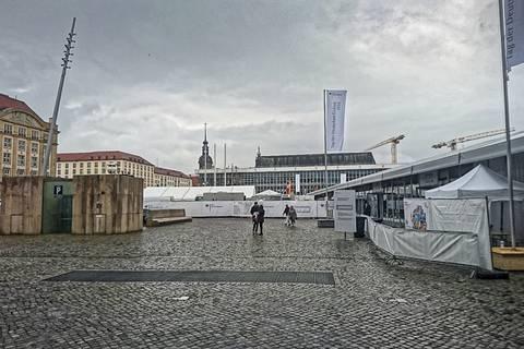Tag der Deutschen Einheit: Die Zelte des Bundes auf dem Altmarkt. Foto: Tilo Arnhold, TROPOS