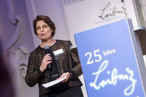 Begrüßung durch Prof. Dr. Brigitte Voit (IPP) und Prof. Dr. Sebastian Lentz (IfL)