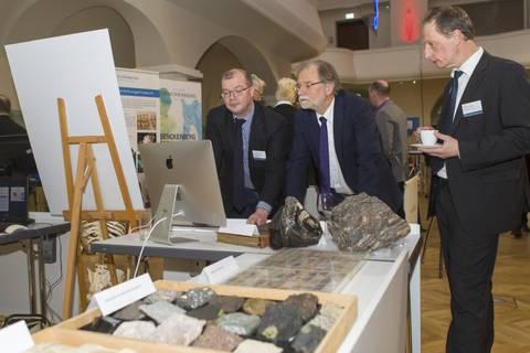 Am Stand der Senckenberg Naturhistorische Sammlungen Dresden: Geologie.
