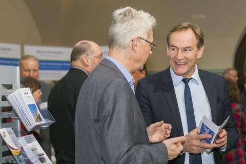 Oberbürgermeister Burkhard Jung im Gespräch