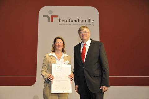 "Zertifikatsverleihung zum Audit ""berufundfamilie"" am 27.05.2011."