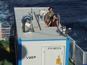 Die TROPOS-Wissenschaftlerin Dr. Heike Kalesse und Doktorand Moritz Haarig mit dem OCEANET-Container des TROPOS.
