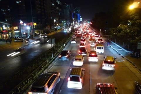 12.05.15: Dem Foto sieht man es nicht an, aber Verkehr hier heißt auch immer Hupkonzert ohne Ende.