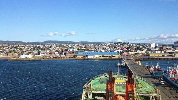 Abschied von der Akademik Troyshnikov im Hafen von Punta Arenas. Foto: Silvia Henning, TROPOS