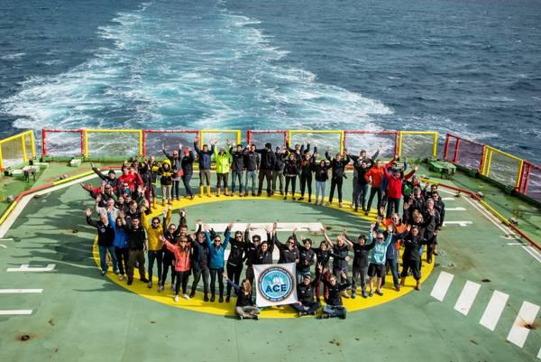 Am 19. März gingen für die Teilnehmenden der 3. Etappe aufregende Wochen im antarktischen Atlantik zu Ende. In drei Monaten umrundete die erste Schweinzer Antarktisexpedition einmal den Südpol. Foto: Sharif Mirshak, ACE-Expedition