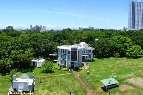13.05.15: Weitsicht vom Manila Observatory aus
