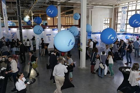 """TROPOS war auf der European Greenweek im Juni 2013 in Brüssel vertreten. Am Stand """"Innovation and Systematic Research for Cleander Air and Health on Local, Regional and European Scale"""" wurde die Bedeutung der Grundlagenforschung dazu gezeigt."""