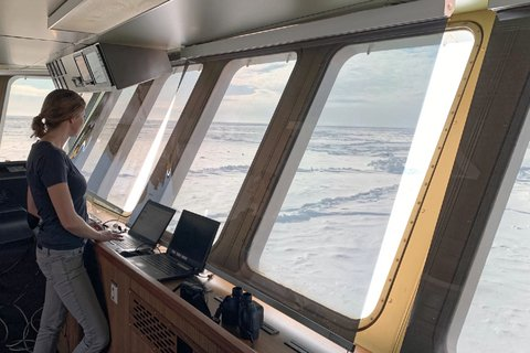 The sea ice group also uses the trip through the ice for observations. Data such as ice concentration, floe size or proportion of press ice ridges are noted from the bridge. They will later help to improve the accuracy of satellite and model data. Photo: Reza Naderpour, WSL
