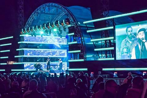 Tag der Deutschen Einheit: Konzert auf dem Theaterplatz am Abend. Foto: Tilo Arnhold, TROPOS