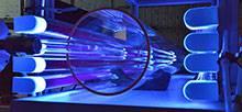Der Nachweis dieses Prozesses gelang dem Team bei Laborexperimenten mittels einer speziellen Strömungsapparatur am TROPOS in Leipzig, welche störungsfreie Untersuchungen von Gasphasenreaktionen bei Atmosphärendruck zulässt. Foto: Tilo Arnhold, TROPOS