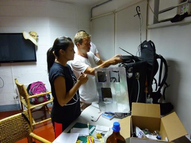 12.05.15: Vorbereiten des Rucksackmessgerätes.