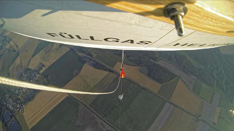 Und so sieht der Blick von der Kamera am Ballon auf Melpitz samt Wiesen und Wälder ringsherum aus.