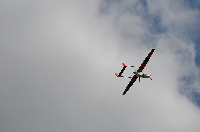 """Das Forschungsflugzeug """"ALADINA"""" ist nach erfolgreichem Messflug beim Landeanflug. Foto: Konrad Müller/TROPOS"""