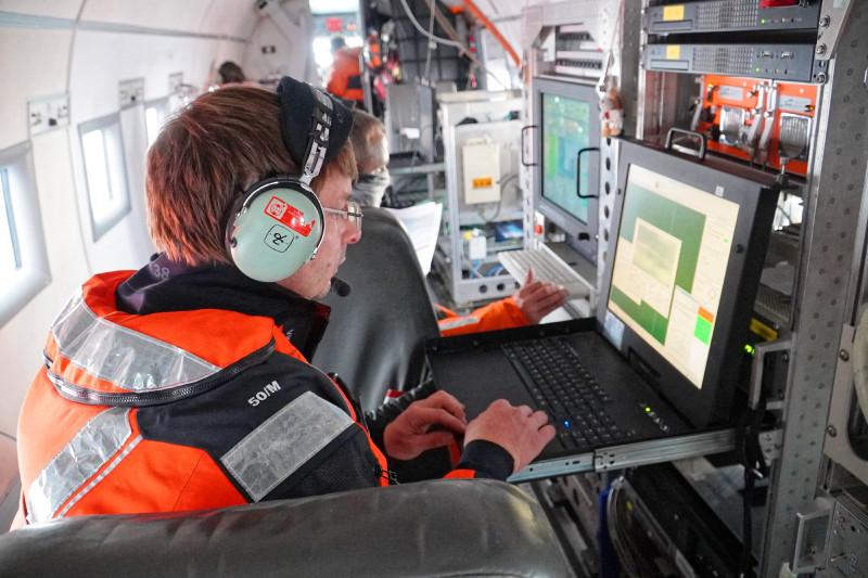 MOSAiC-Flugkampagne von Spitzbergen aus. Foto: Stephan Schön, Sächsische Zeitung
