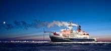 Polarstern während MOSAiC in der Arktis. Foto: Hannes Griesche, TROPOS