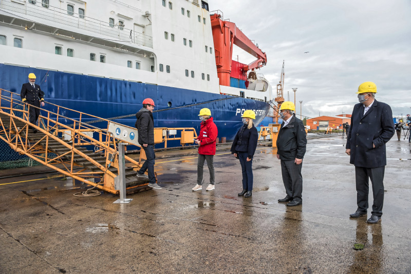 Polarstern returns from the central Arctic after one year of the MOSAiC expedition and is welcomed in Bremerhaven by the federal and state governments. Photo: Kerstin Rolfes, Alfred Wegener Institute