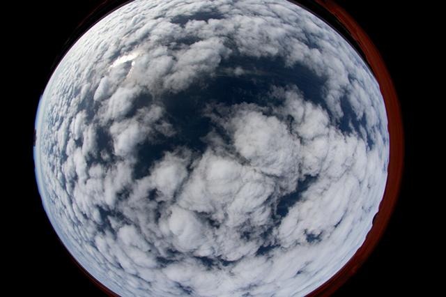 180-Grad-Aufnahme der untersuchten Mischphasenwolken während eines Messfluges. Foto: LIM