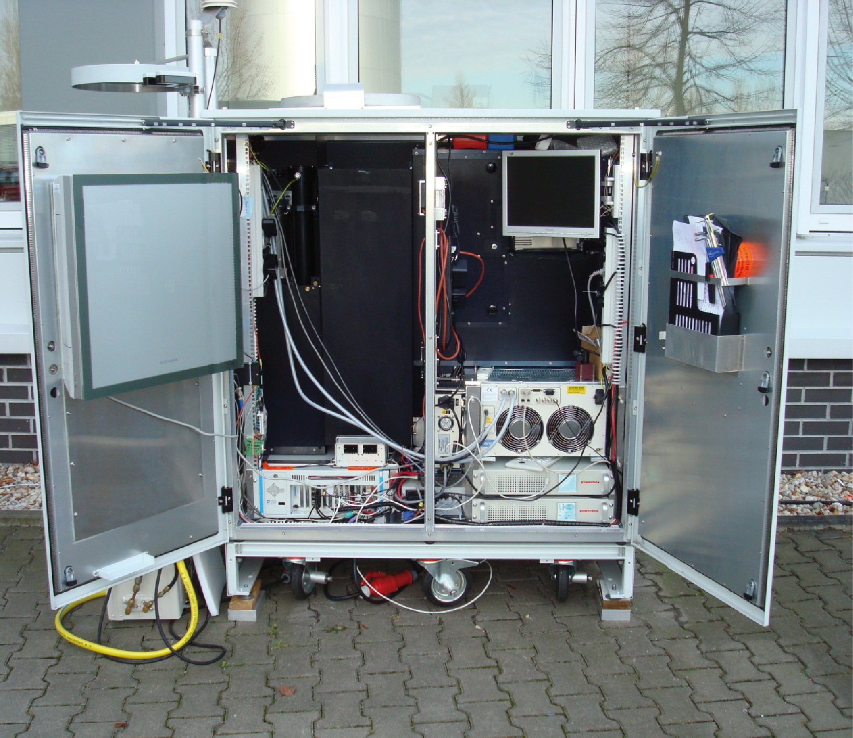 Polly-XT is a multi-wavelength depolarization Raman lidar, developed at TROPOS. It allows ground based measurements of the concentration and composition of atmospheric dust on different heights. 