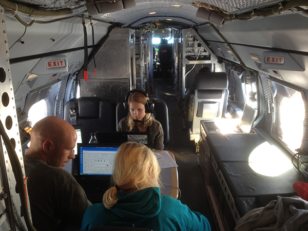 Inside view of the HALO research aircraft. The scientists busy at work tracking their measurements. Photo: Meinrat O. Andreae, MPI-C