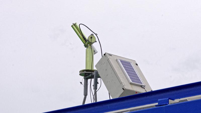 TROPOS-Container mit Fernerkundungsmesstechnik. Dabei kommt auch ein Sonnenphotometer zum Einsatz. Foto: Patric Seifert/TROPOS