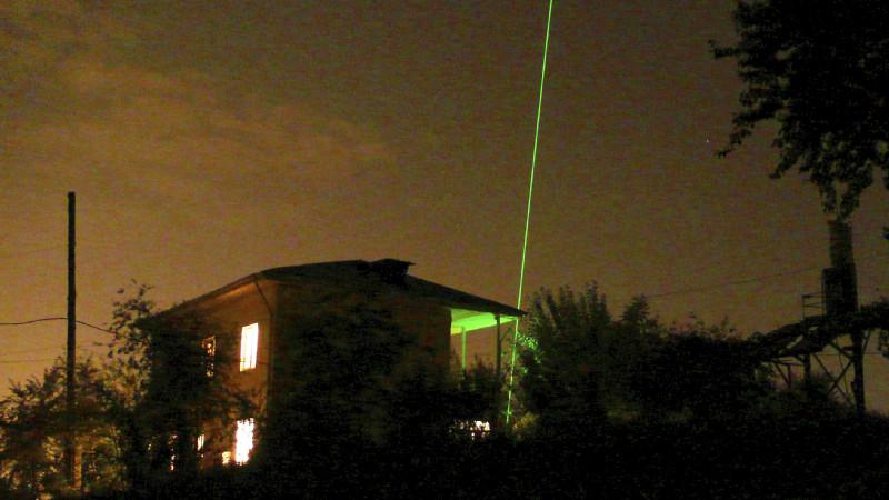 Polly-XT ist ein Multiwellenlängen-Depolarisations-Raman-Lidar, das am TROPOS entwickelt wurde. Damit ist es möglich, die Konzentrationen und Zusammensetzung von Staub in verschiedenen Luftschichten vom Boden aus zu bestimmen. Foto: Julian Hofer/ TROPOS