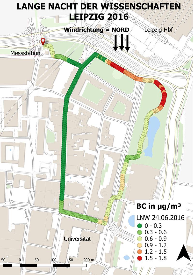 Die Grafik der Ruß-Messung vom Abend des 24.6. zeigt deutlich, wie der Straßenverkehr am Leipziger Hauptbahnhof die Luftqualität deutlich beeinträchtigt (rote Messpunkte), aber wenige Meter davon die Belastung bereits deutlich geringer ist (grün).