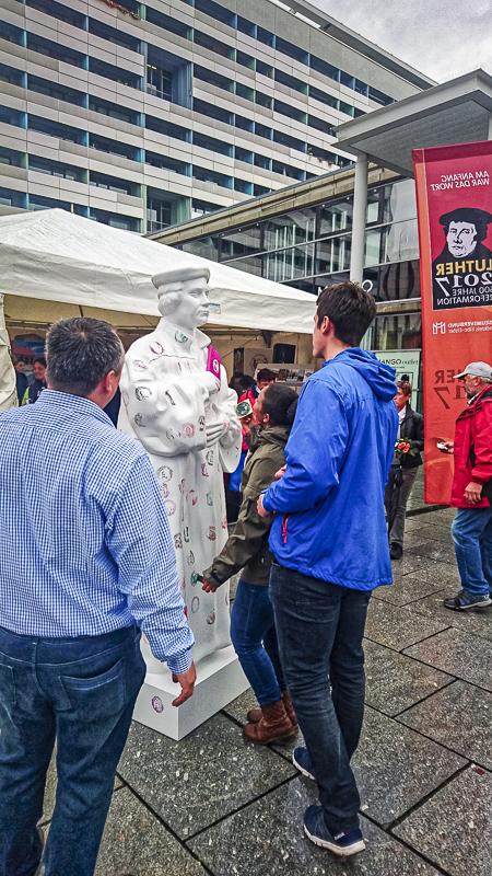 Tag der Deutschen Einheit: Prager Straße. Foto: Tilo Arnhold, TROPOS