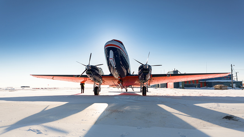 Frontal view of an AWI research aircraft at a stop in Barrow,Alaska (Photo: Stefan Hendricks, AWI)