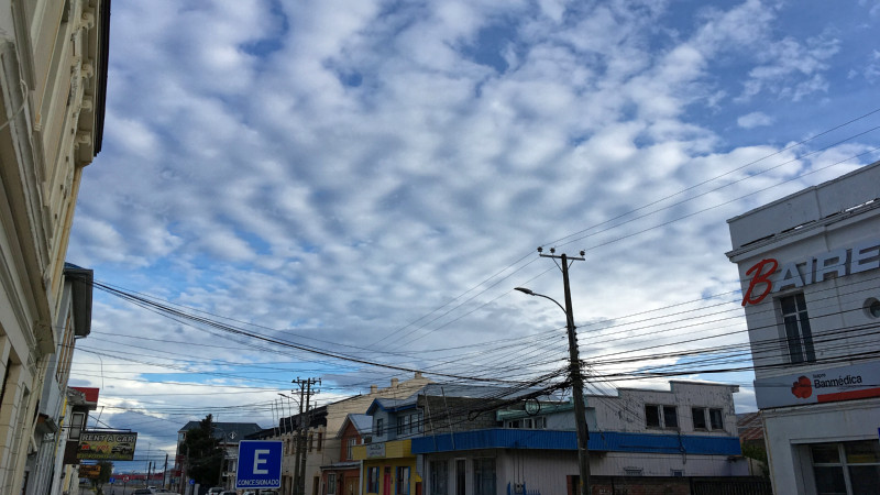 Thin layer clouds, so-called altocumulus, over Punta Arenas. How do they differ from those in the middle latitudes of the northern hemisphere? Photo: Martin Radenz, TROPOS.
