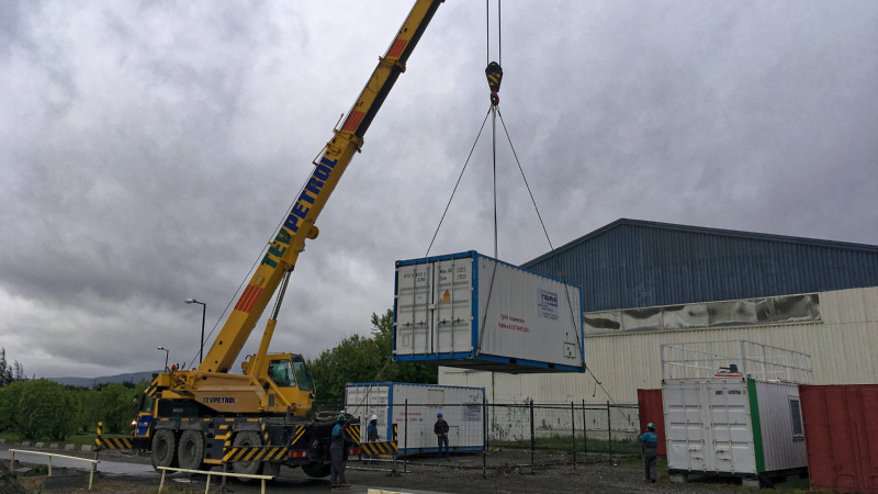Installation of the LACROS measurement containers on the UMAG site. Photo: Martin Radenz, TROPOS.