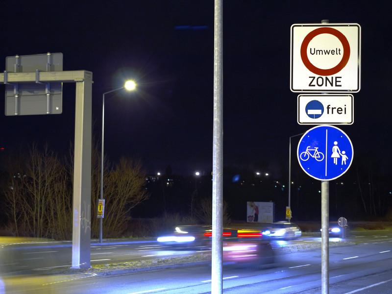 Im Durchschnitt ging Ruß während der reichlich zwei Monate Lockdown im Frühjahr 2020 in der Leipziger Eisenbahnstraße um etwa 20 Prozent zurück. Zum Vergleich: Die Umweltzone Leipzig hatte den Ruß zwischen 2011 und 2017 um etwa 60 Prozent reduziert. Dieser Rückgang erfolgte aber über sechs Jahre, ausgehend von einem damals noch höheren Niveau, und war nachhaltiger angelegt, weil die Umweltzone die Modernisierung der Fahrzeugflotte beschleunigte. Foto: Tilo Arnhold, TROPOS
