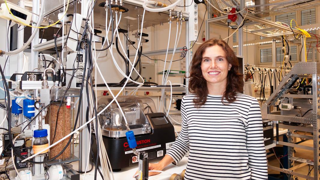 Prof. Mira Pöhlker ist die neue Leipziger Professorin für Aerosole und Wolkenmikrophysik. Ihre Professur am Institut für Meteorologie der Universität Leipzig ist eine gemeinsame Berufung mit dem Leibniz-Institut für Troposphärenforschung (TROPOS), an dem sie die gleichnamige Abteilung leitet. Foto: Tilo Arnhold, TROPOS