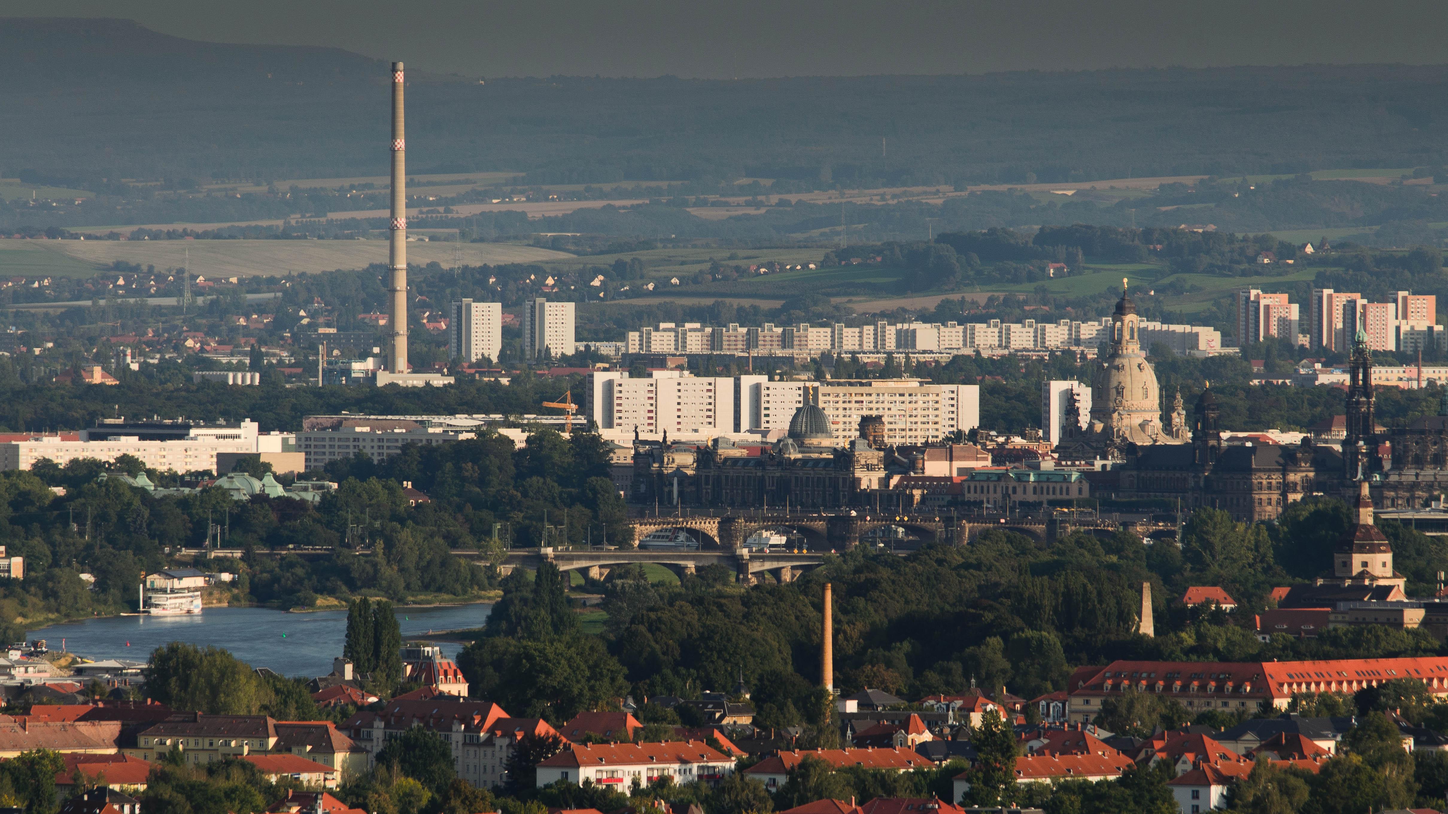 Der Paul-Crutzen-Preis geht 2015 an Dr. Sebastian Scheinhardt vom Leibniz-Institut für Troposphärenforschung (TROPOS) für eine Publikation über die Auswirkungen des Klimawandels auf die Luftqualität in Dresden. Foto: Tilo Arnhold/ TROPOS