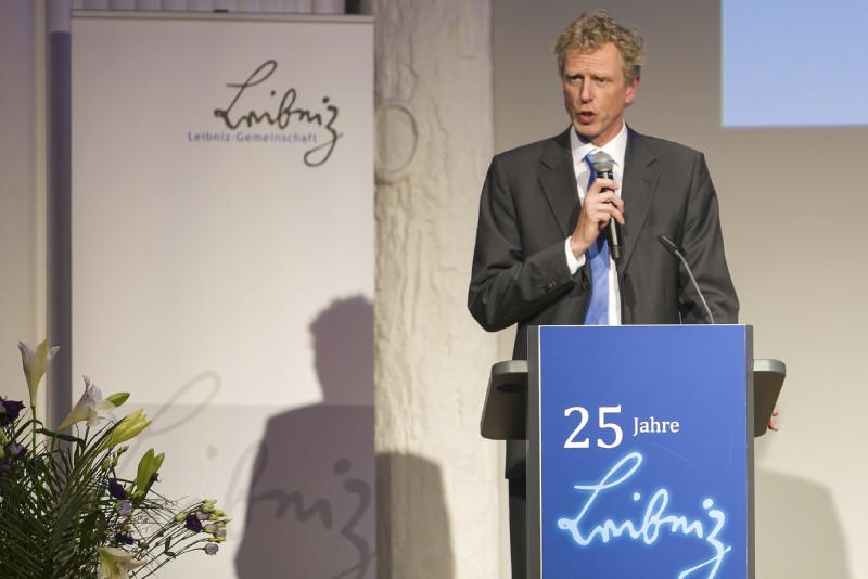 Moderator Prof. Dr. Sebastian Lentz (IfL)