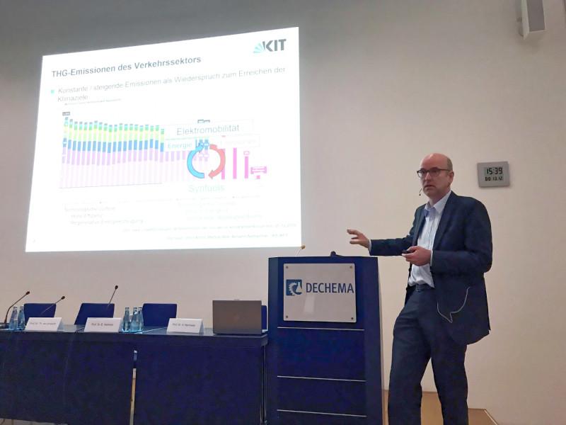 Prof. Dr. J. Sauer, Karlsruher Institut für Technologie (KIT)