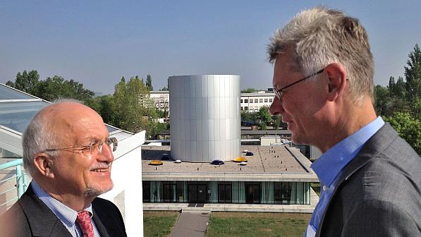 Prof. Dr. Karl Ulrich Mayer, Präsident der Leibniz-Gemeinschaft von Juli 2010 bis Juni 2014, besucht das IfT.  Foto: Christian Walther/Leibniz-Gemeinschaft